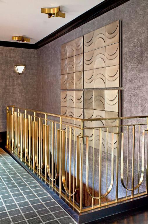 نرده راه پله طلایی